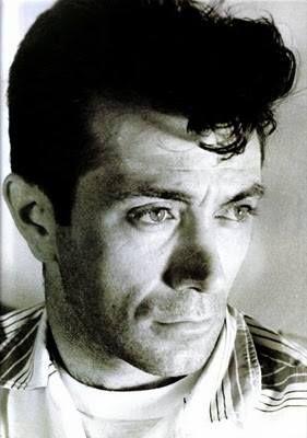 Dare2Draw >Wake up and DrAw! > Frank A. Frazzetta Born:February 9, 1928 Brooklyn, New York