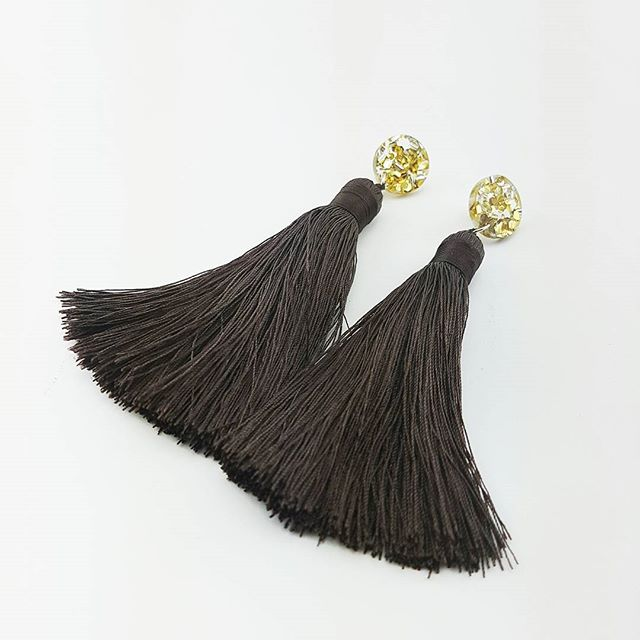 Mega Tassels in Chocolate! Delicious for winter. . . #tasselsfordays #chocolate #discoearrings #fordancing #fordaytime #forthebesttimes #nevertoomuch #glitter