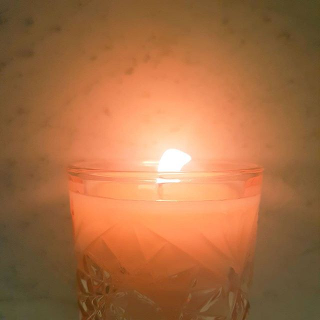 Winter Night Dream! #miniheater #keepingthefreezingoutside #warm #andcosy #wintertime #dreamtscents #soycandle #pouredbyhand #withlove #pinkglow #cutglass #blossom #flame #burnbright #shinebright #getcosy #midweekburn #humpday #restore #quietnights