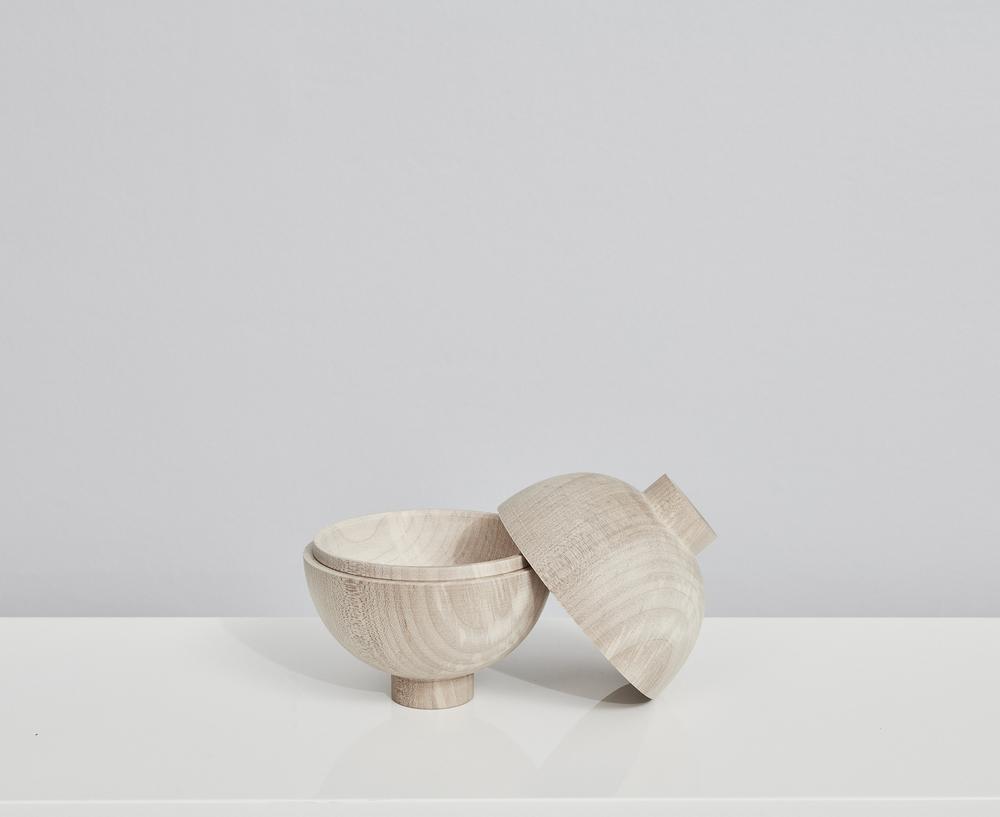 7.KristinaDamStudio-SS16_wooden_sphere_oak_2.jpg