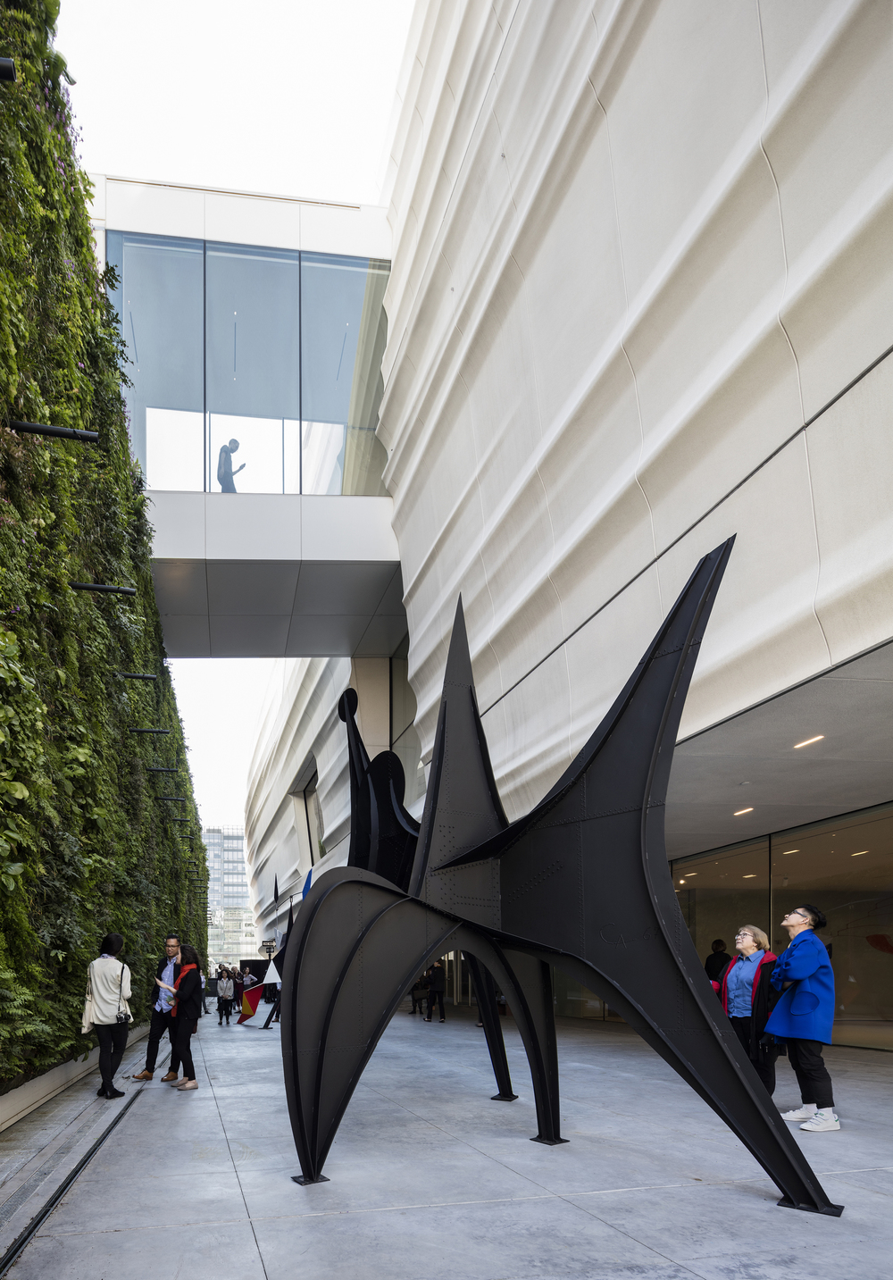 23. Pat and Bill Wilson Sculpture Terrace featuring Alexander Calder's sculpture Maquette for Trois Disques (Three Disks), formerly Man (1967); photo © Henrik Kam, courtesy SFMOMA.jpg