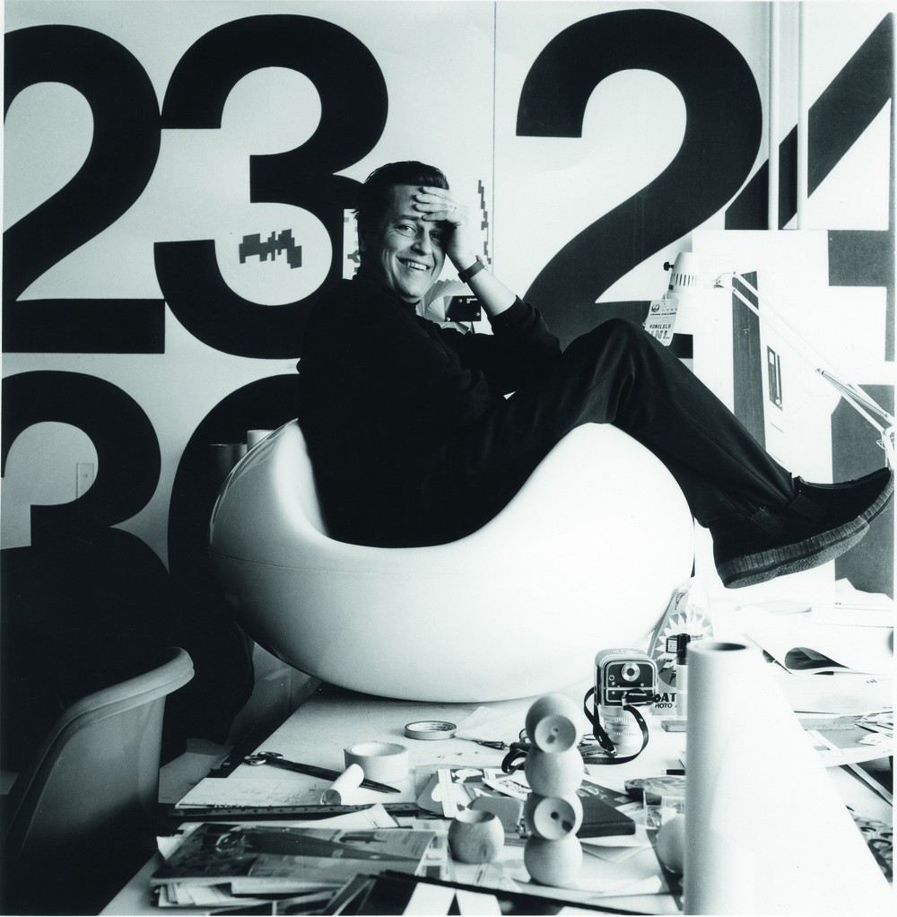 DM_Eero Aarnio in Pastilli chair in his studio in 1968_c_Pirkko Aarnio.jpg