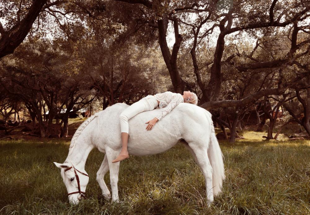 Julie Pike - LA Horse - ed. 30.png