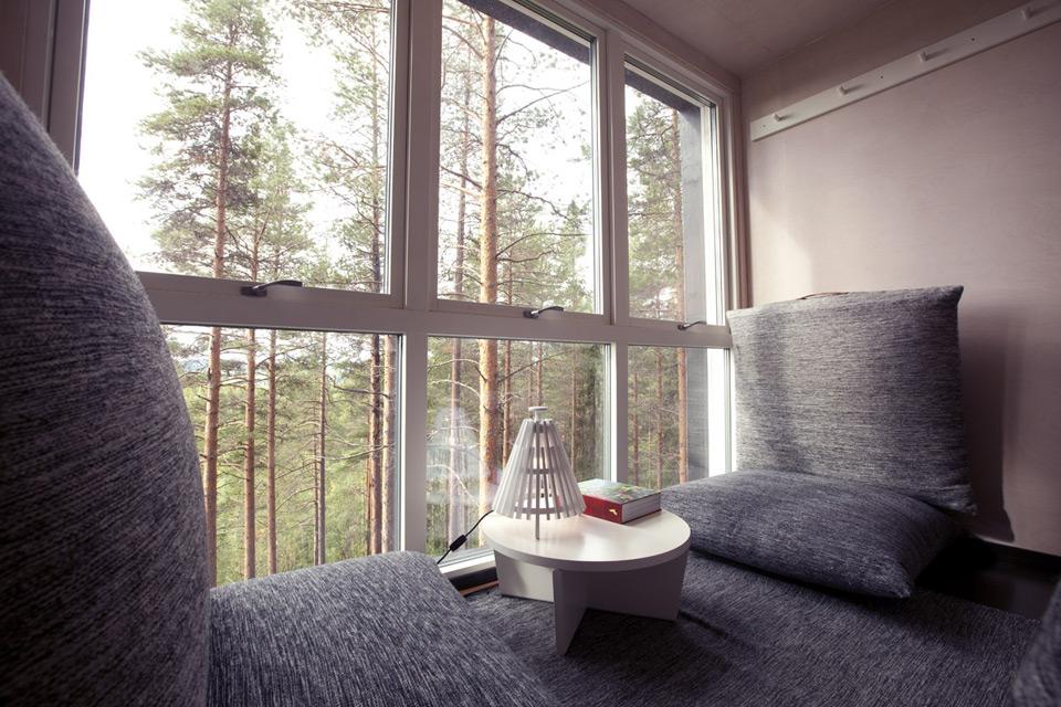 874_cabin_interior_2a.jpg
