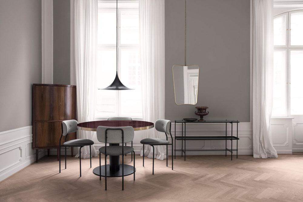 coco-chair-korb-mc741e00-mc741e09-gubi-table-2-cherry-red-semi-pendant-fa-33-mirror-ts-console-chain-1-b.jpg