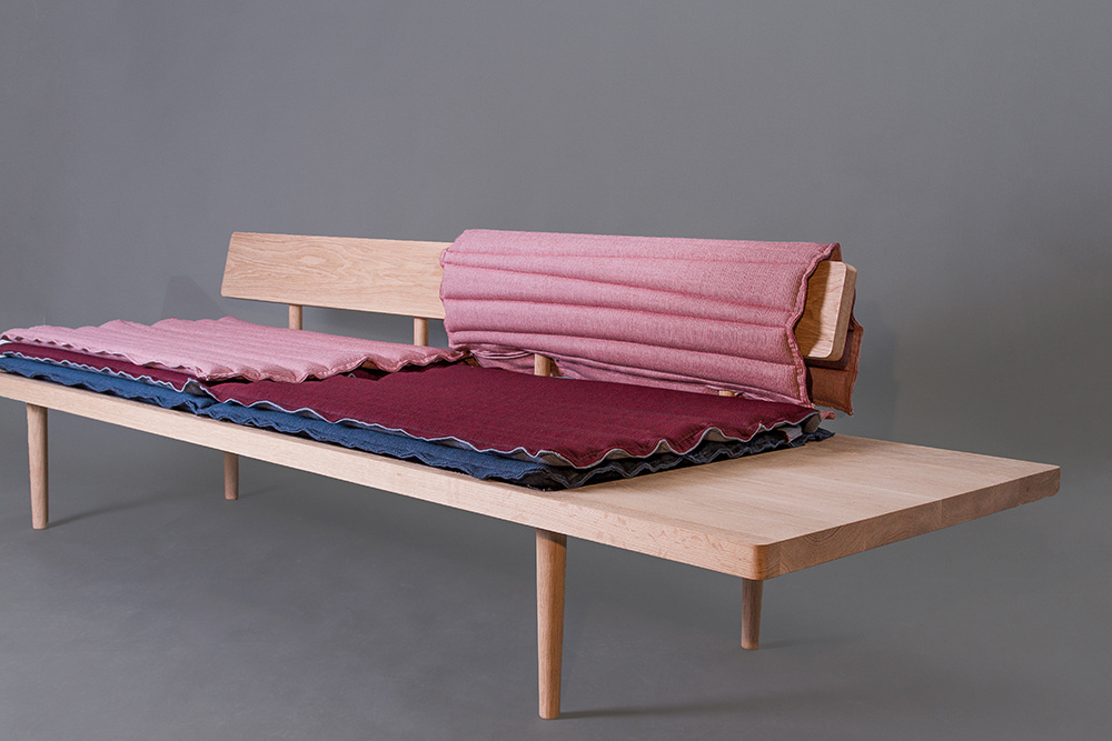 Imilli  daybed by Tora Schie Rørvik. Made for workshops and easy to craft.
