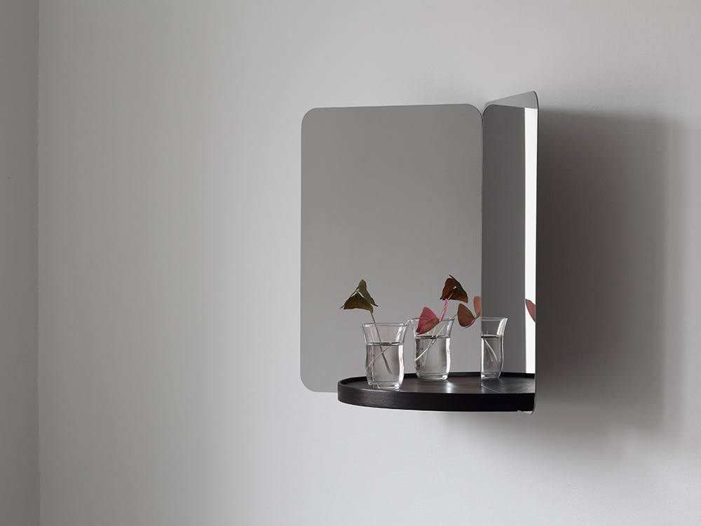 Artek_Rybakken_124_mirror_with_tray_1_photo_Studio_Daniel_Rybakken.jpg