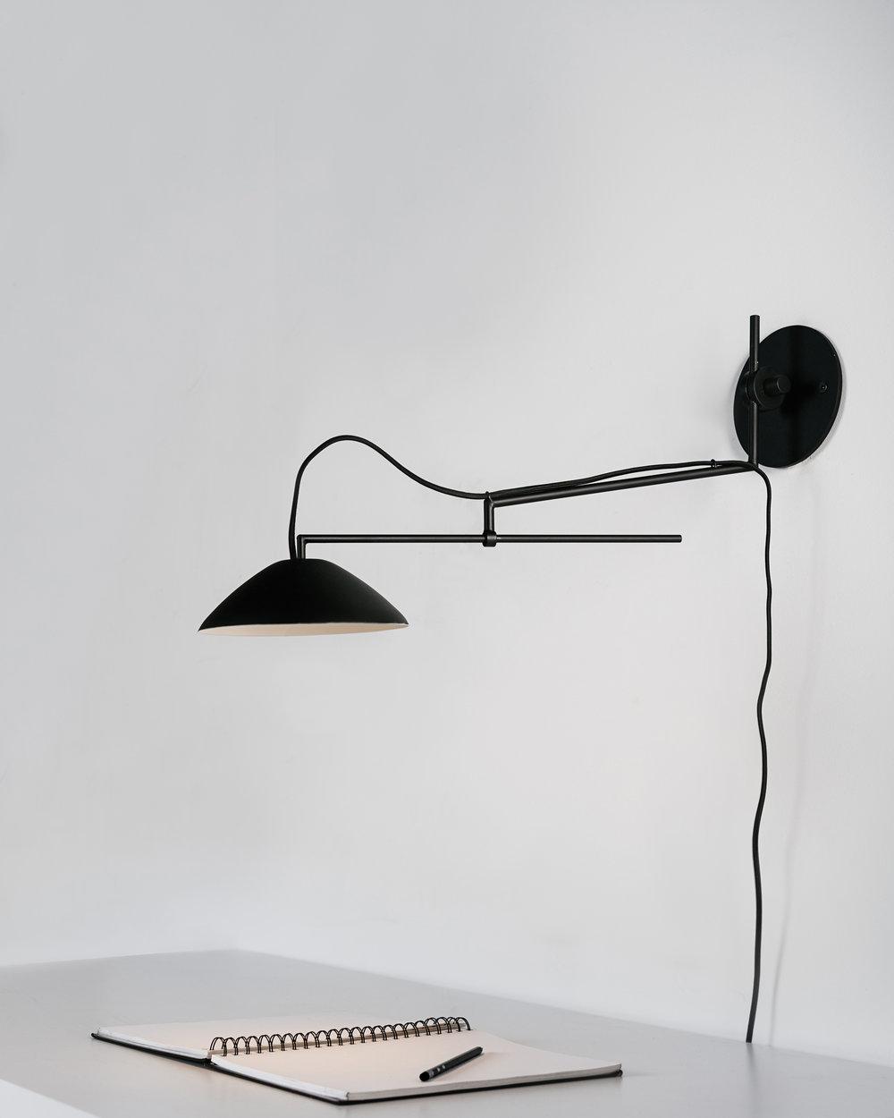 Black01_1.jpg