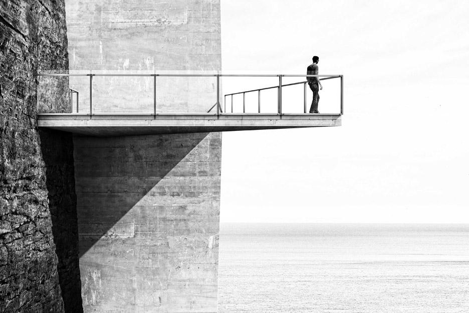 cliff-top-retreat-alex-hogrefe-visualizing-architecture-iceland-conceptual-concrete_dezeen_936_4.jpg
