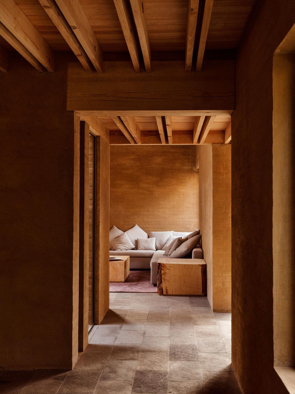 Entrepinos-Housing-in-Valle-de-Bravo-Mexico-by-Taller-Hector-Barroso-Yellowtrace-06.jpg