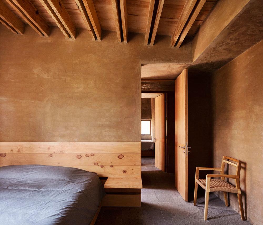 Entrepinos-Housing-in-Valle-de-Bravo-Mexico-by-Taller-Hector-Barroso-Yellowtrace-15.jpg