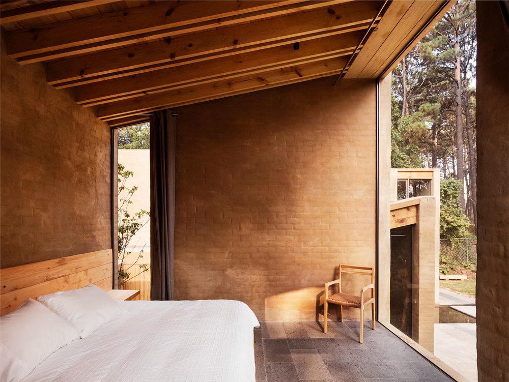 Entrepinos-Housing-in-Valle-de-Bravo-Mexico-by-Taller-Hector-Barroso-Yellowtrace-16.jpg