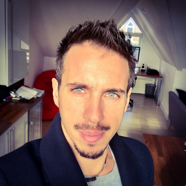 Andrea (from Italy), is a software developer focused on mobile apps, while also running his business  Pixelinlove .