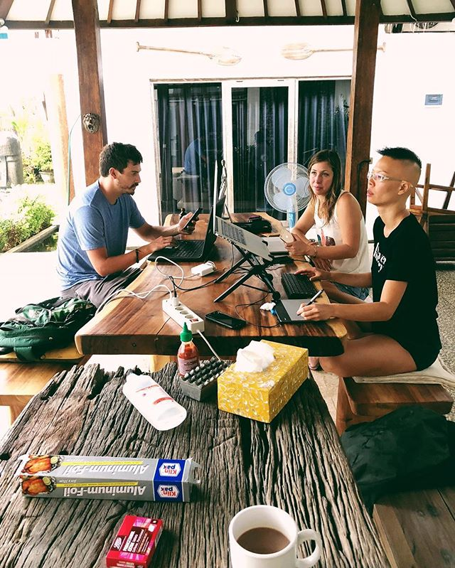 Work-life never felt so right. Post brekkie work sessions with our Tribe mates are the best 🙌 On a side-note, everyday we've to remind ourselves that this isn't a vacation, it's just the everyday life of a Digital Nomad. Super grateful for the best tribe ❤ Where are you working from today? 🤓