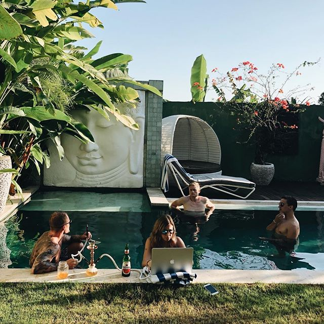 Taking water-cooler talk to the next level with the tribe 🏊🌺 Love starting the day bright and early with a dip in the pool before we don our nerd hats on 🤓 . If you would love a lifestyle like this, check out the link in our Bio for all the deets - wifitribe.co (link in bio)