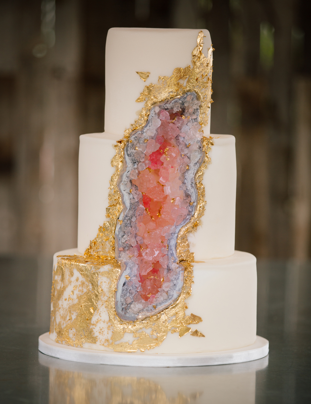 geode cake trend carrie 39 s cakes utah wedding cakes. Black Bedroom Furniture Sets. Home Design Ideas