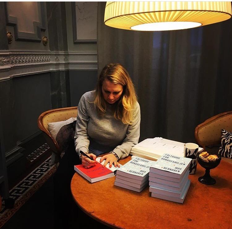 Och signerade en massa böcker - den minst jobbiga delen med att skriva bok!