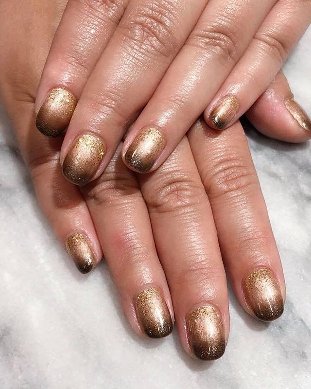 #glitter #ombrenails 💰💰