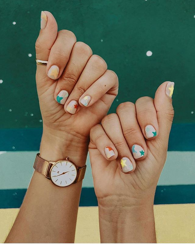 #colorful #stars ⭐️💅🏻 PC📸: @_kaitlynbrown