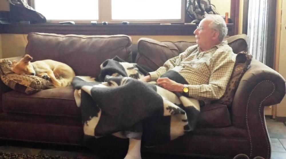 2015-05-28 - Dad and Montana resting at SR1 - May 28 2015.jpg