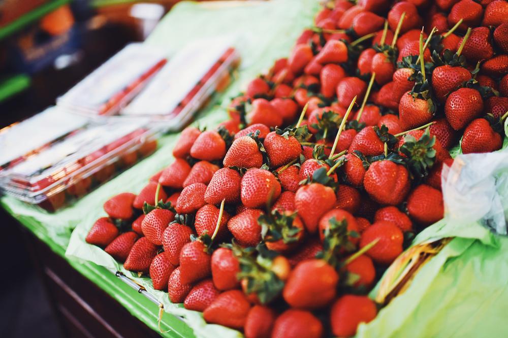 strawberry season again for SF!/Клубничный сезон снова в полном цвету!