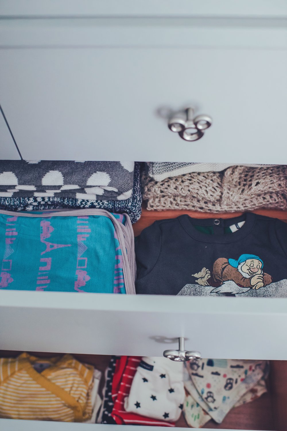 dresser3.JPG