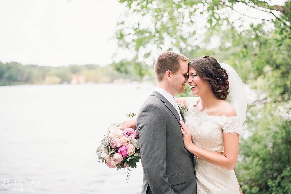 romantic-sherman-lake-ymca-wedding_0019.jpg