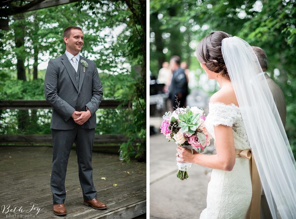 romantic-sherman-lake-ymca-wedding_0024.jpg