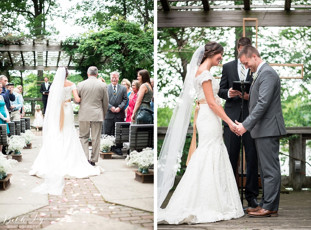 romantic-sherman-lake-ymca-wedding_0025.jpg