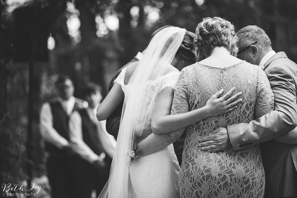 romantic-sherman-lake-ymca-wedding_0027.jpg