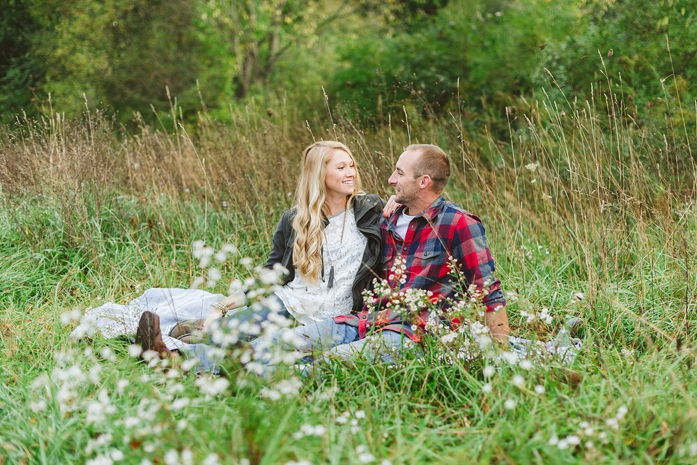 Kalamazoo Michigan Autumn Engagement Session_0020.jpg
