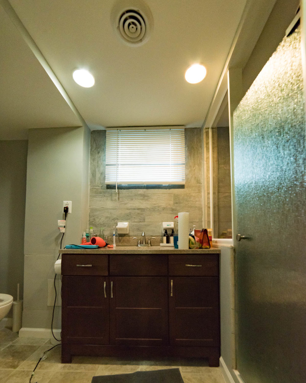 Hillside Apartment Bathroom