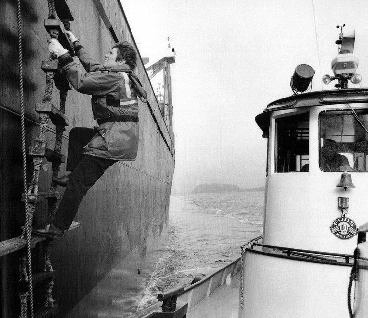 A Woman's Path: Deborah Doane Dempsey, Marine Bar Pilot