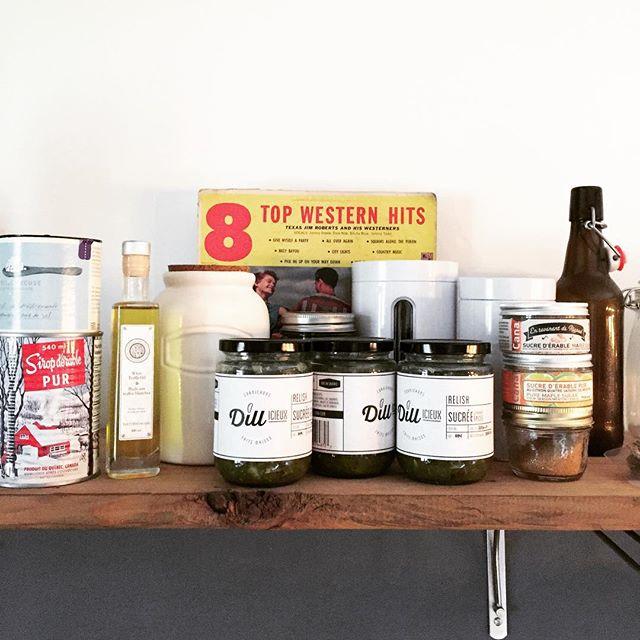 On aime ça voir que nos clients font des réserves de relish! C'est LE condiment de la période estivale. Allez, faites des provisions!