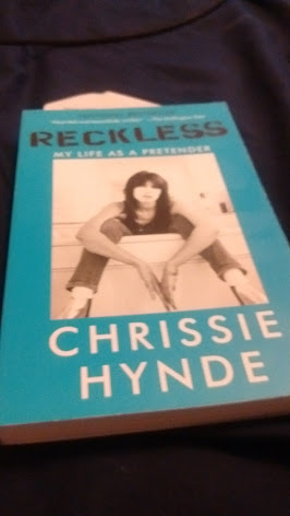indie-music-and-television-blog-chrissie-hynde-my-life-as-a-pretender-cover