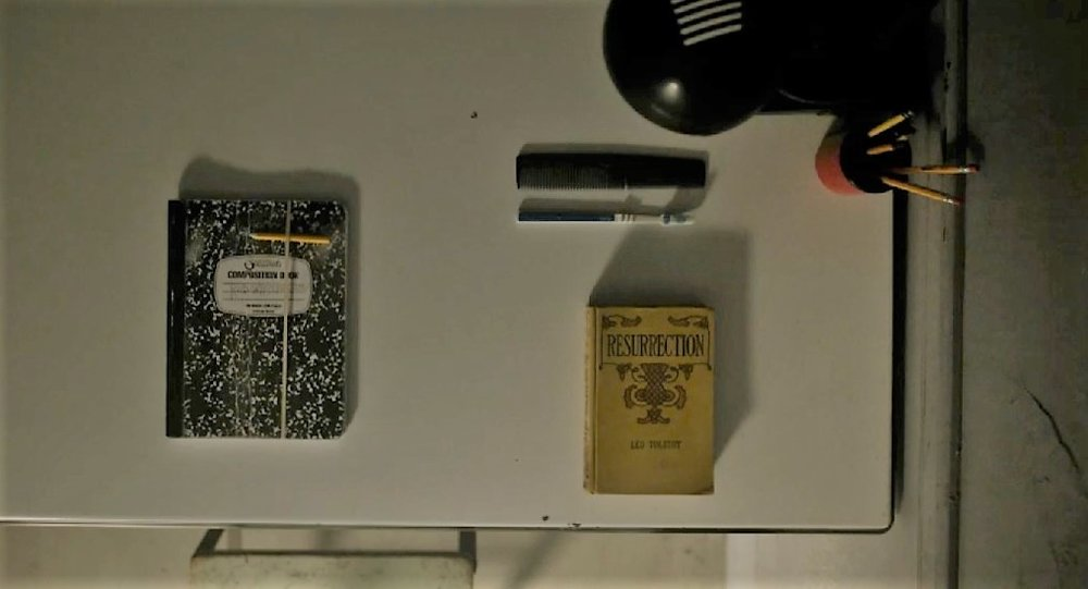 indie-music-and-television-blog-mr-robot-tolstoy-resurrection-jail-desk