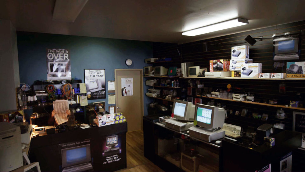 indie-music-and-television-blog-mr-robot-inside-the-store