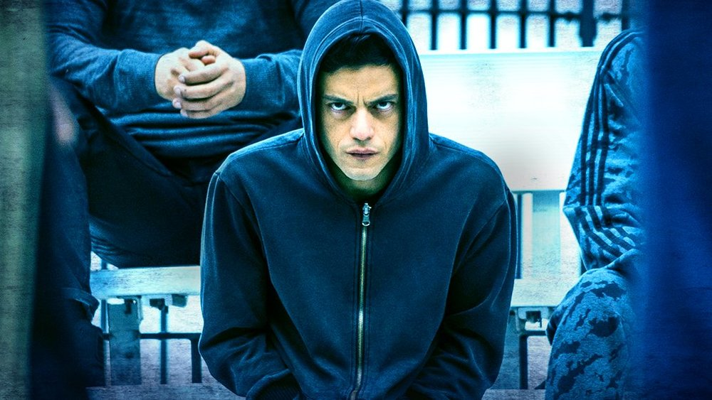 indie-music-and-television-blog-mr-robot-angry-elliot-on-the-yard