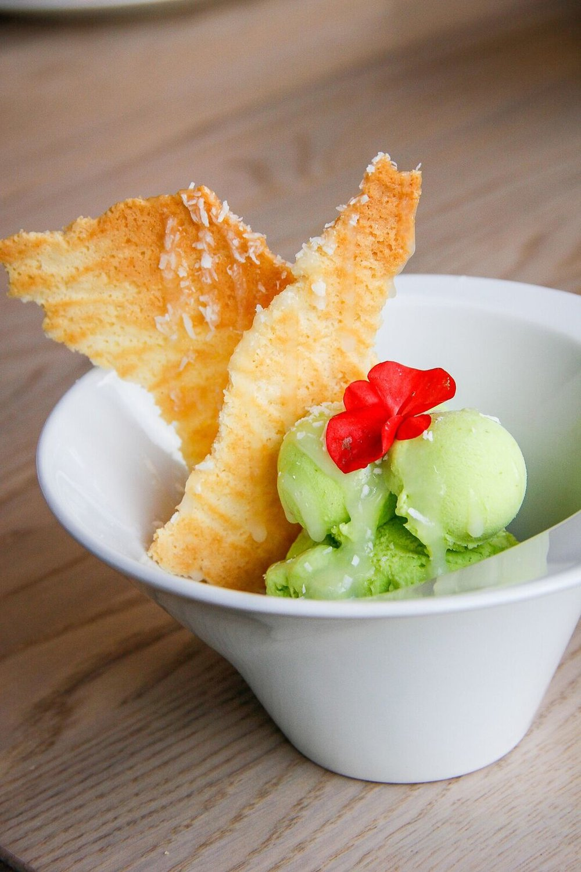 - ....Avokaado jäätis 4,5€Soovitame kindlasti. Kookoselaastud ja kreemine roheline jäätis on mõlemad tõesti head ja hapukas laim teeb selle maitse veel eriti huvitavaks. Teeb heameelt, et avokaado põhjal tehtud jäätis on nõnda maitsev...AVOCADO ICE CREAM 4,5€We recommend! The coconut slices and the creamy ice cream were both very good and the lime made the taste even more interesting. It is pleasing to know that the ice cream is made of actual avocado, so good!....
