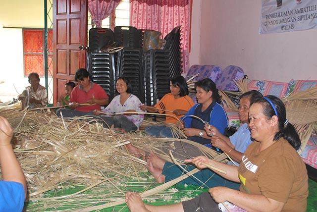 Shaving-the-Bamboo.JPG