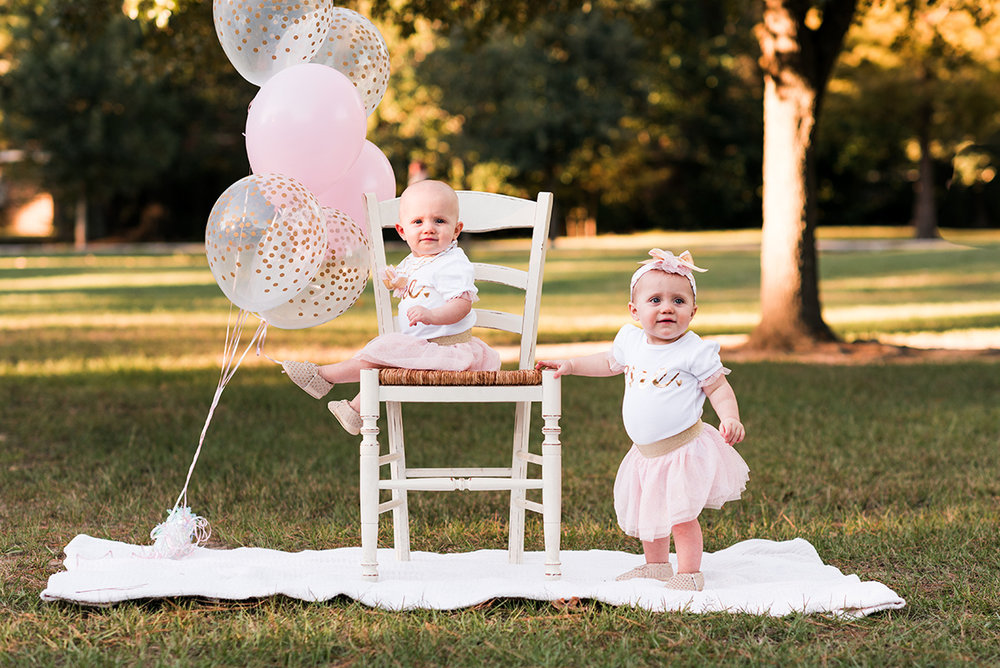 Bennett brown photography Houston Texas lifestyle photography twins first birthday balloons park