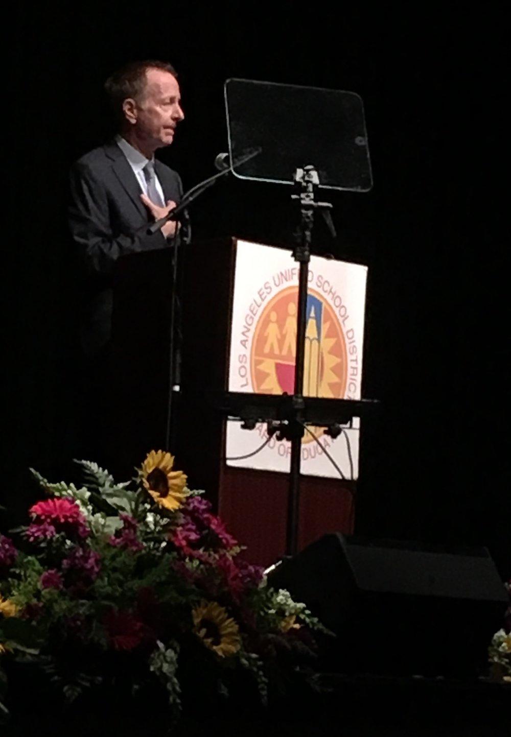 AUSTIN BEUTNER EN el discurso ANUAL Del superintendente para