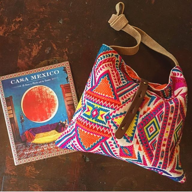 Colors of summer ☀️ . . . . . #ojai #ojaivibes #gift #giftideas #casamexico #mexicanstyle #embroidery #totebag #color #summervibes #shopojai #shoplocal #shopsmall #bag #mexicaninteriors #beachlife #interiordesign #summerbag