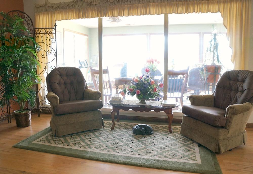 front living room 2.jpg