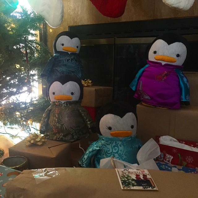 Fan Photo: Ao Dai Penguin Sisters