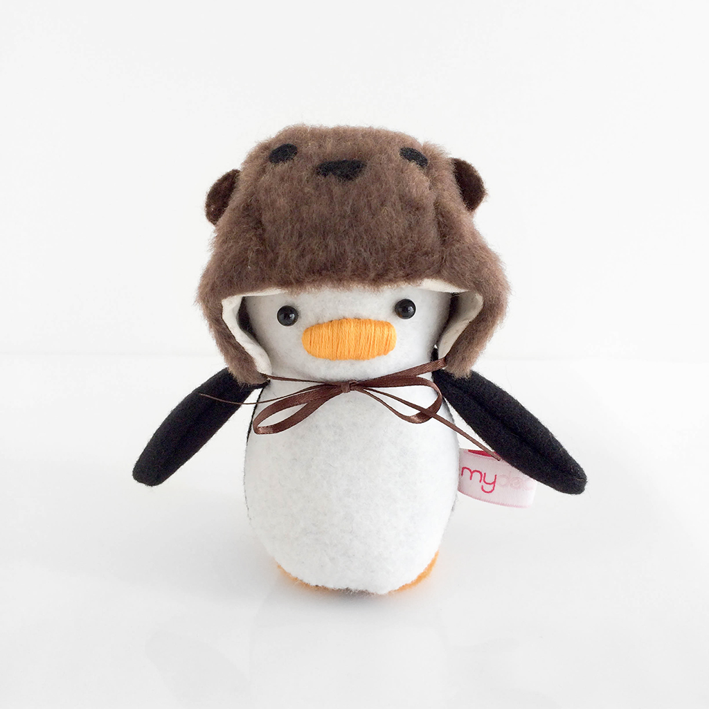 Mini Penguin Otter Hat