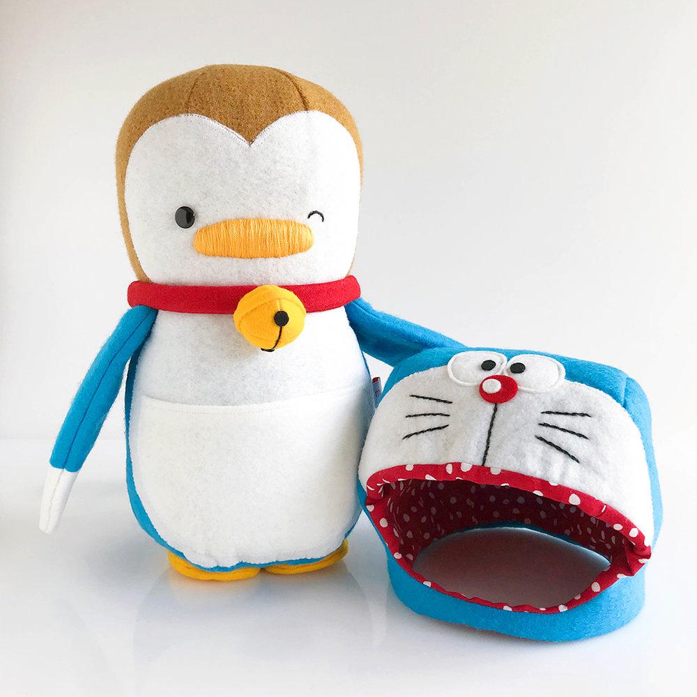 DoraemonPenguin_hatoff.jpg