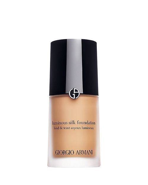 """The Power Player - Every pro makeup artist's go-to for foundation is from Giorgio Armani. We're talking about Luminous Silk Foundation, of course. Celebrities love this product for their red carpets and we recommend it for any of your special occasions.This is the second """"treat yoself"""" in this post. The difference is that Luminous Silk starts at a medium coverage that can be layered into a full. Micro–fil™ technology contains diffused pigments to give you an airbrushed and luminous look while adding moisturize. The results? Our dry skinned baes get moisture and a diffusion of their fine lines."""