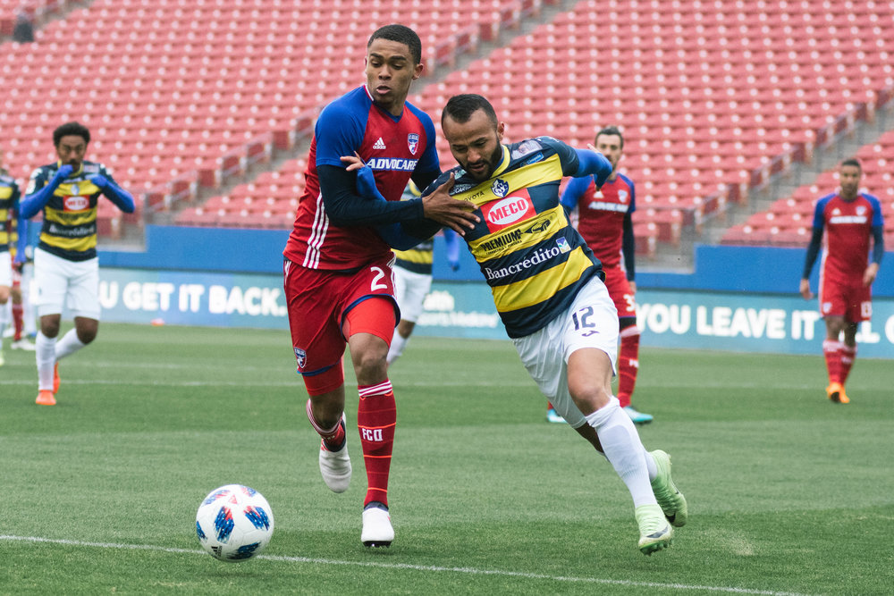 FC Dallas' Reggie Cannon battles for the ball. | Shot with Nikon D500 w/ Nikkor 80-200 f2.8