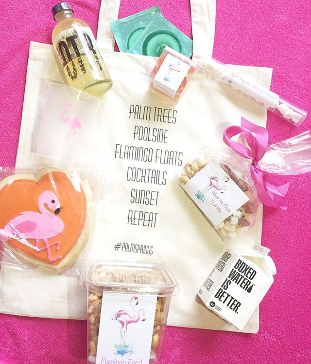 We loved creating this vibrant flamingo inspired welcome gift for a recent girls trip in Palm Springs!  The adorable cookie from @birdbakery was a huge hit! 💕😎🌴